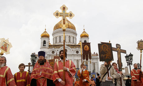 Активиста избили при попытке войти в собор для антипутинской молитвы