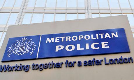 Metropolitan-Police-sign--008.jpg