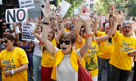 Spanish civil servants protest 