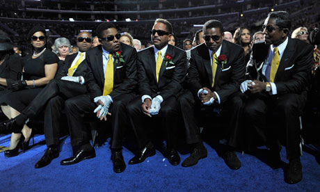 Michael Jackson's siblings at hi smemorial service, July 2009