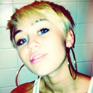 Miley Cyrus sports her new haircut