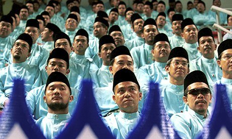 http://static.guim.co.uk/sys-images/Guardian/About/General/2013/10/16/1381927174963/Malaysian-Muslims-008.jpg
