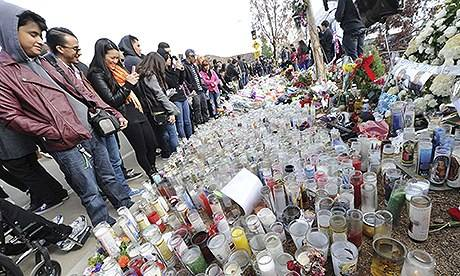 Paul Walker fans gather at crash site for tribute...