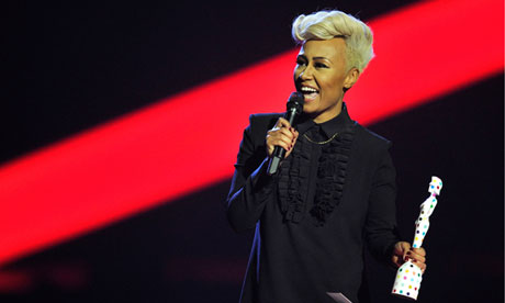 2013: Emeli Sandé receives the award for British female solo artist