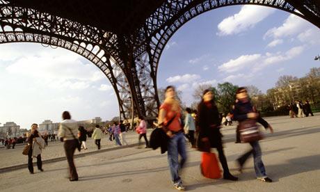 women wear trousers in Paris