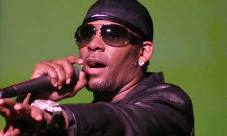 R Kelly on stage in Los Angeles