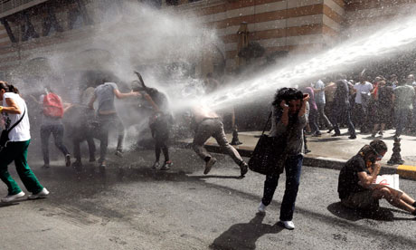 Turkish police fire water cannons at protesters