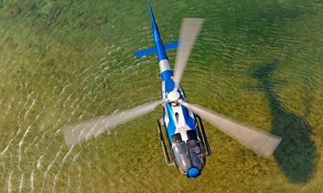 Два британца погибли в России при аварии вертолета во время рыбалки