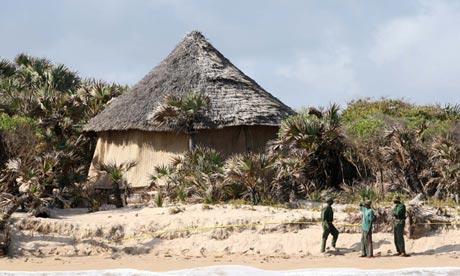 Kiwayu Safari Village