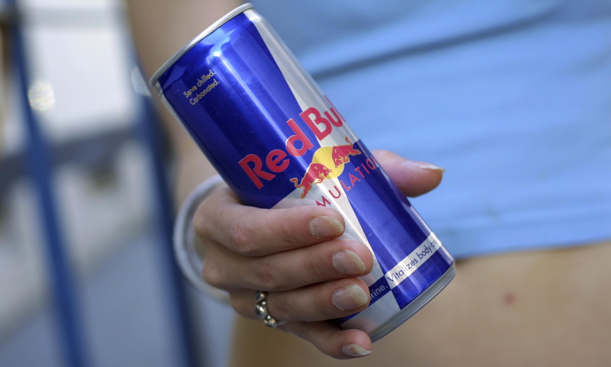 """Homem processa Red Bull por propaganda enganosa após """"não ganhar asas"""""""
