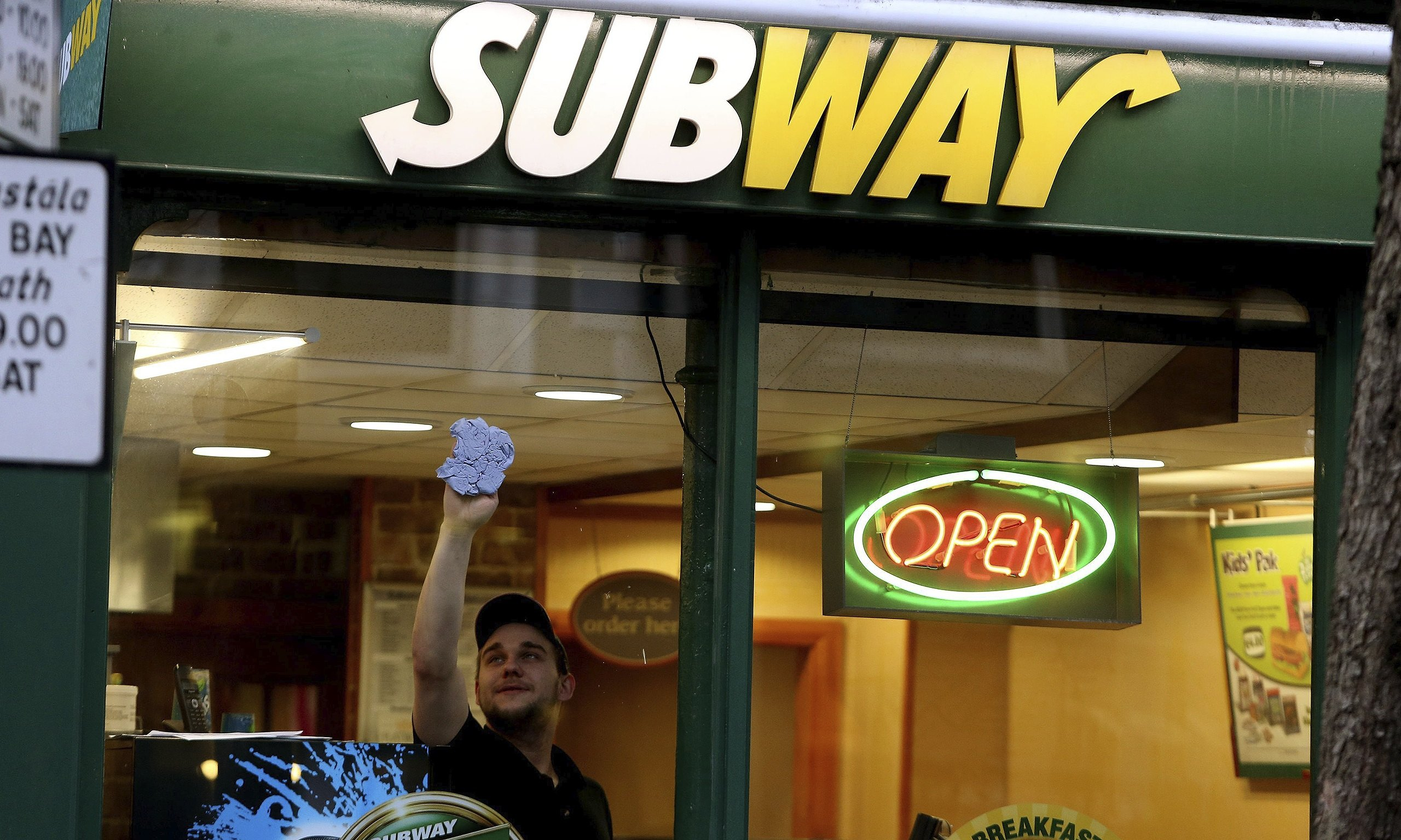 subway to create 13 000 jobs as it doubles outlets in uk. Black Bedroom Furniture Sets. Home Design Ideas