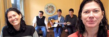 The Breeders - Kelley Deal, Jose Medeles, Richard Presley, Mando Lopez, Kim Deal
