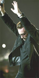 Bono performs with U2 at Madison Square Gardens, May '05