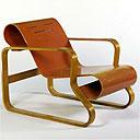 Aalva Aalto's Paimio chair (1930-33)