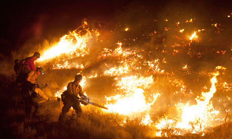 Nevada evacuates 10000 people as Reno firefighters battle wildfire ...