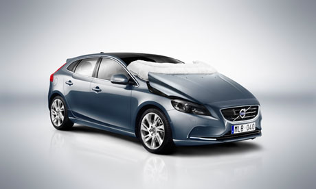 Volvo V40 with airbags