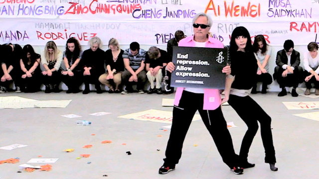 Anish Kapoor and friends perform Gangnam Style for Ai Weiwei - video