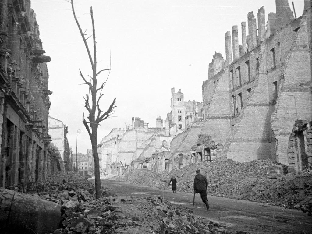 Warszawa, ulica Krucza 1945