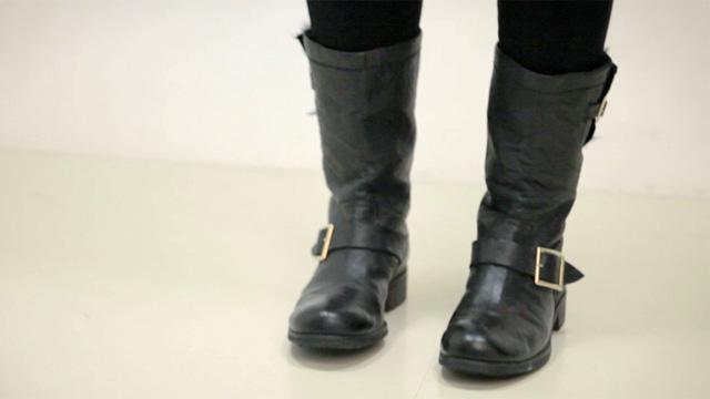 9. With Biker Boots - 20 Stylish Ways to Wear Jeans ...   Fashion
