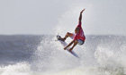 Kelly Slater surfs into the final four of Quiksilver Pro - video
