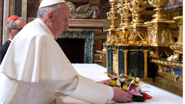 Pope-Francis-I-praying-in-016 - Do you think the United States should strike Syria?  - Question and Answer