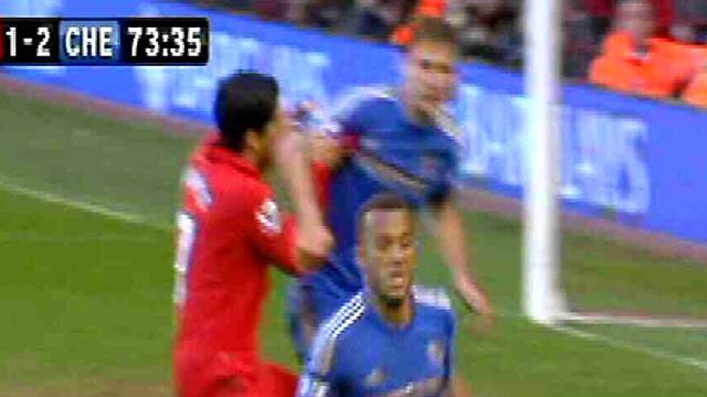 Luis Suarez vs Ivanovic Luis Suárez Given 10-match Ban