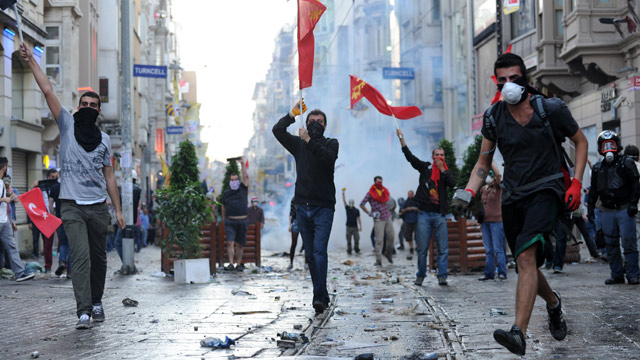 http://static.guim.co.uk/sys-images/Guardian/Pix/audio/video/2013/5/31/1370025963333/Protesters-in-Istanbul-016.jpg