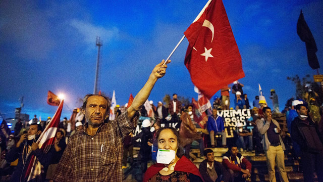 Turkey's leader issues 'final warning' to Gezi Park protesters