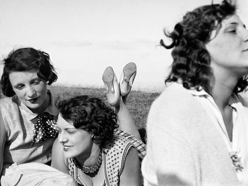 Bibi, Freddy, Margot, Aix-les-Bains, July 1928, by Jacques Henri Lartigue