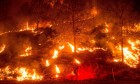 Wildfire continues to burn in California - video