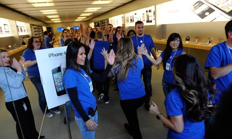 Boot up: Apple confirms iPhone 4S battery issues, XBox Kinect turned into ...