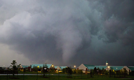 Tornado strikes Broken Arrow, Oklahoma