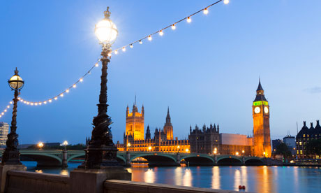 House of Parliament and Westminster bridge over the Thames at dusk