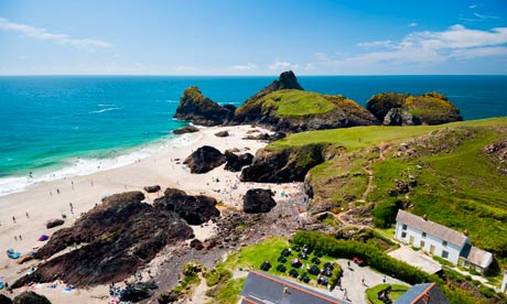 Kynance Cove, The Lizard Peninsula, Cornwall, England.