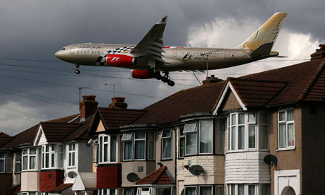 Plane arrives at Heathrow