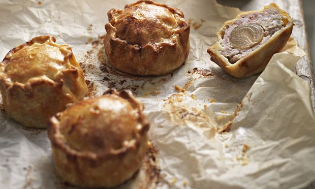 Food from the England's midlands means robust and tasty native foodstuffs – game, hard cheeses, pork pies, chutnies and ales