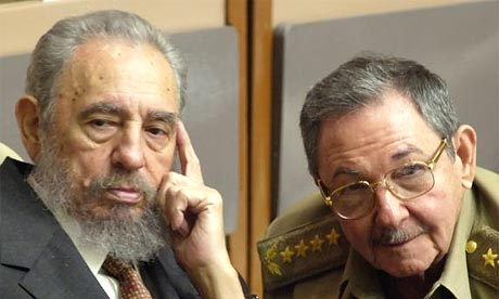 Fidel Castro and his brother Raul
