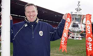 Barnsley manager Simon Davey holds the FA Cup