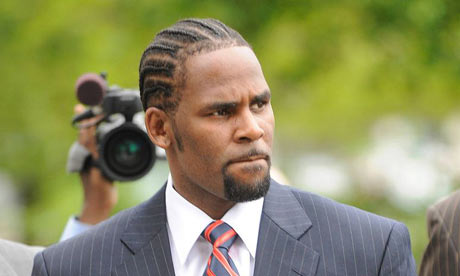 The singer R Kelly walked free from a court in Chicago yesterday after a ...