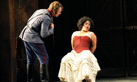 Tania Kross (Carmen) and Brandon Jovanovich (Don Jose) in Carmen at Glyndebourne