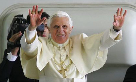 Pope Benedict waves farewell to Sydney after World Youth Day