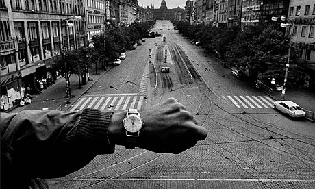 Czechoslovakia, August 1968. Koudelka positioned a
