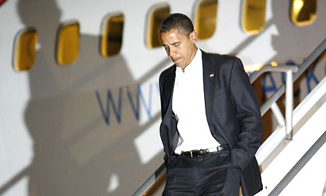 Barack Obama arrives in Hawaii to visit his ailing grandmother