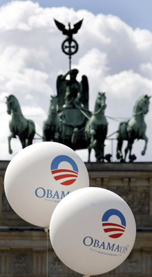Barack Obama balloons at the Brandenburg Gate in