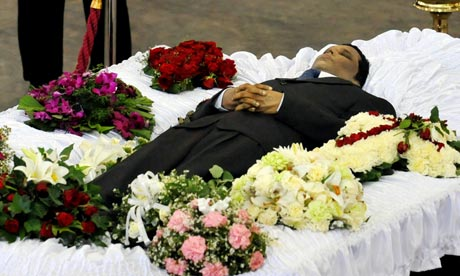 Lasantha Wickrematunga lies in state during his funeral ceremony   in Colombo
