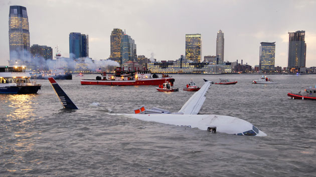 Gallery Hudson river plane crash: An Airbus 320 US Airways aircraft in the Hudson River