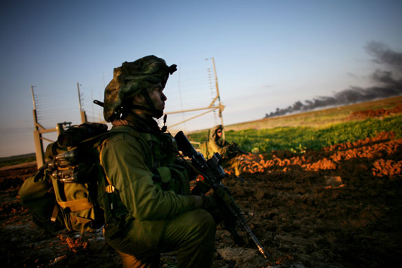 http://static.guim.co.uk/sys-images/Guardian/Pix/pictures/2009/1/4/1231067591984/Gallery-Israeli-troops-en-001.jpg