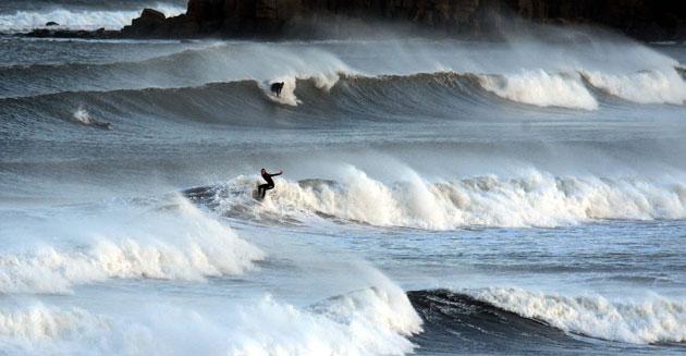 潮湿天气袭击英国