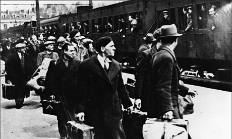 jews in concentration camps. Jews arriving at Pithiviers,