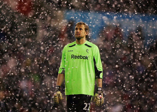 http://static.guim.co.uk/sys-images/Guardian/Pix/pictures/2009/3/4/1236204550341/Prem-League-Wed-Jussi-Jaa-001.jpg